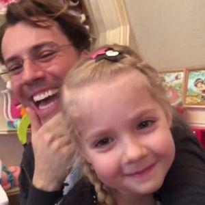 Подробнее: Максим Галкин показал, как его пятилетняя Лиза говорит по-французски