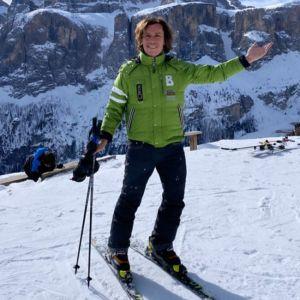 Подробнее: Максим Галкин решил научить шестилетних Гарри и Лизу кататься на горных лыжах