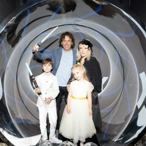 Подробнее: Галкин и Пугачева устроили своим детям праздник в стиле «Звездных войн»