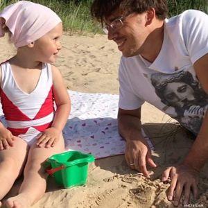 Подробнее: Дочка Максима Галкина следит за красотой с детства (видео)