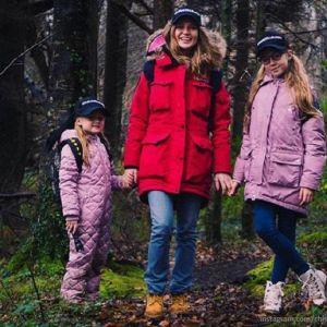 Подробнее: Певица Глюк'Ozа побывала с дочками в Ирландии в местах съемок «Звездных войн» (видео)