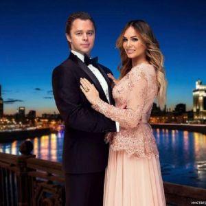 Подробнее: Виталий Гогунский начал снимать сериал о своей свадьбе (видео)