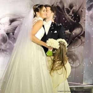 Подробнее: Виталий Гогунский поделился свадебными фото в связи с годовщиной регистрации брака
