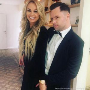 Подробнее: Виталий Гогунский намекнул на то, что его жена беременна