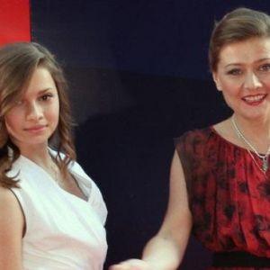 Подробнее: Мария Голубкина с трудом отпустила 14-летнюю дочь на учебу в Англию