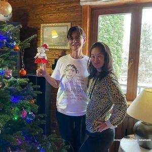 Подробнее: Ирина Хакамада показала, как веселится ее 24-летняя особенная дочь в новогодние праздники