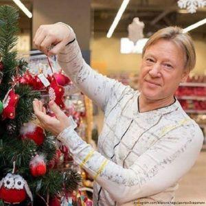 Подробнее: Дмитрий Харатьян о новогодних традициях и подарках