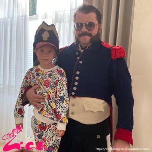 Подробнее: Гарик Харламов отвел дочь-первоклашку в школу первого сентября