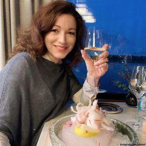 Подробнее: Молодой избранник Алены Хмельницкой впервые в телеэфире признался ей в любви