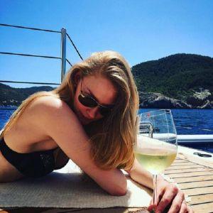 Подробнее: Светлана Ходченкова увлеклась водными лыжами