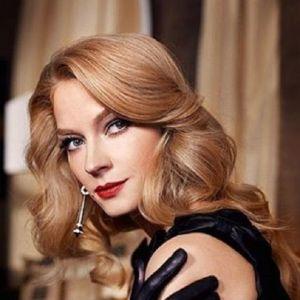 Подробнее: Светлана Ходченкова не хочет менять имидж, даже волосы ни разу не красила