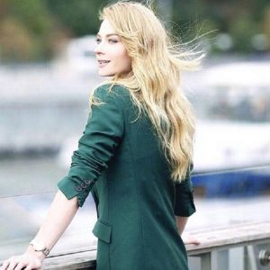 Подробнее: Светлана Ходченкова занялась танцами на пилоне