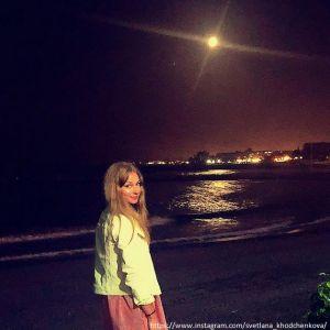 Подробнее: Светлана Ходченкова во время отдыха с возлюбленным показала фото топлес
