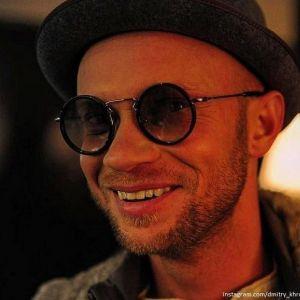 Подробнее: Дмитрий Хрусталев закрутил роман с певицей при необычных обстоятельствах