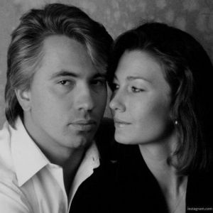 Подробнее: Средняя дочь Дмитрия Хворостовского опубликовала архивные фото отца и матери в молодости