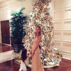 Подробнее: Светлана Иванова всех поздравляет с Новым годом из Майами