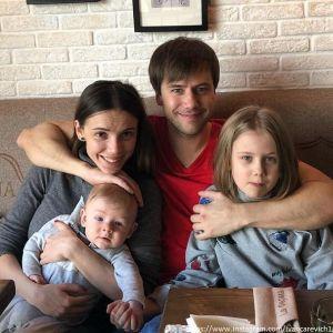 Подробнее:  8-летняя дочь Ивана Жидкова прыгнула в пропасть