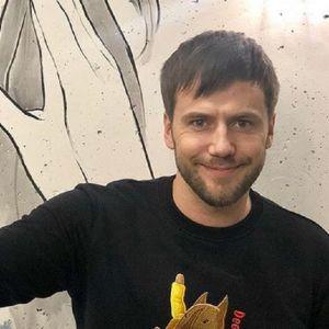 Подробнее: Иван Жидков закрутил новый роман с моделью