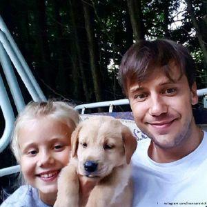 Подробнее: Ивану Жидкову приходиться брать  дочку с собой на работу