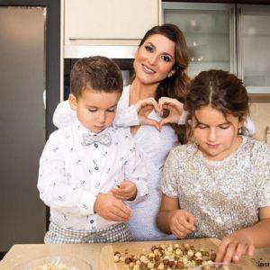 Подробнее:  Сын певицы Жасмин уже обзавелся собственной кулинарной книгой под названием «Рецепты Мирона»