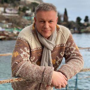 Подробнее: Сергея Жигунова подозревают в романе с копией Анастасии Заворотнюк