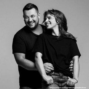 Подробнее: Сергей Жуков со своей женой открыл магазин сладостей (видео)