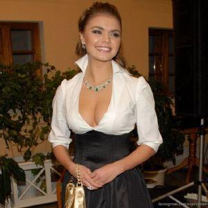Подробнее: Алина Кабаева родила близнецов, сообщают СМИ