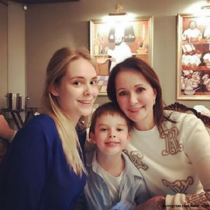 Подробнее: Ольга Кабо призналась, что ее дочь Татьяна не смогла поладить с отчимом
