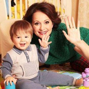 Подробнее: Ольга Кабо получила золотое украшение от детей