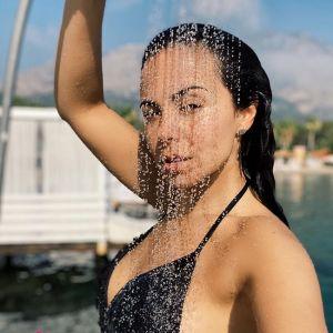 Подробнее: Настя Каменских показала фото в мокром купальнике