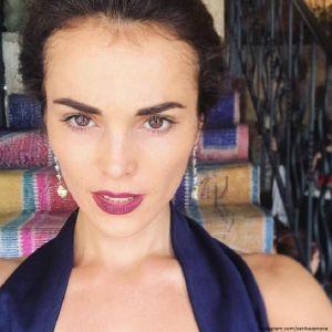 Подробнее: Сати Казанова пожаловалась на боли в позвоночнике