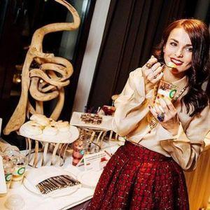 Подробнее: Сати  Казанова необычно отпраздновала свое 33-летие