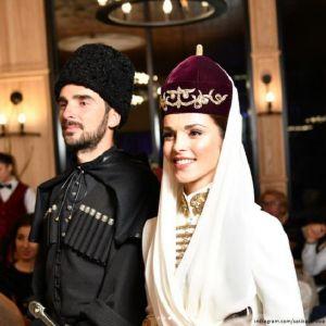 Подробнее: Сати Казанова показала фотографии со своей свадьбы в Кабардино-Балкарии