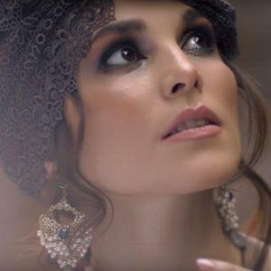 Подробнее: Сати Казанова в видеоклипе «Спит мое счастье»