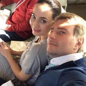 Подробнее: Невеста Николая Баскова рухнула со сцены во время выступления