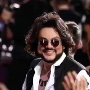 Подробнее: Поклонница Филиппа Киркорова едва не устроила стриптиз на его концерте (видео)