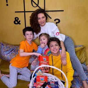 Подробнее: Екатерина Климова показала, как ее 5-летняя дочь готовится к школе