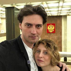 Подробнее: Иван Колесников поделился семейными кадрами в связи с 17-й годовщиной брака