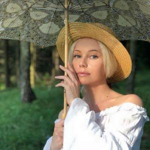 Подробнее: Елена Корикова  опубликовала пляжные снимки и пожаловалась на желтую прессу