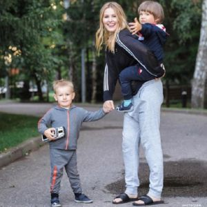 Подробнее: Мария Кожевникова отвела детей к психологу
