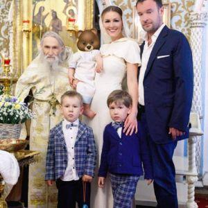 Подробнее: Мария Кожевникова поделилась фото с младшим сыном и впервые рассказала о нем