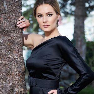 Подробнее: Мария Кожевникова поделилась фото с венчания с мужем