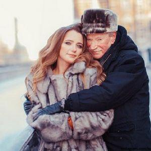 Подробнее: Иван Краско расстается с 27-летней женой Натальей