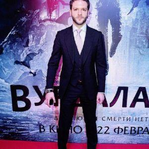 Подробнее: Константин Крюков  узнал,  зачем в борьбе с вапирами используют осиновый кол