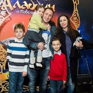 Подробнее: Оскар Кучера легко справляется с четырьмя детьми