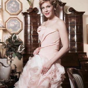 Подробнее: Мария Куликова снова надела свадебный наряд