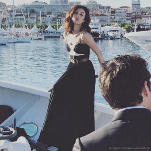 Подробнее: Ольга Куриленко снялась в фотосессии на фоне яхт и заката в Каннах