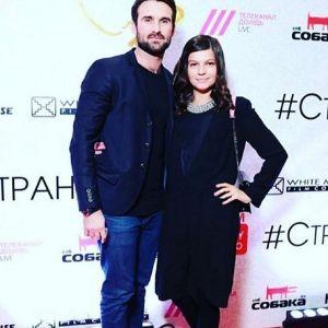 Подробнее: Беременная Агния Кузнецова вместе с мужем пришла на премьеру фильма
