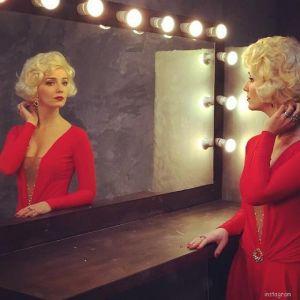 Подробнее: Валерия Ланская  в «LOVE Шоу».