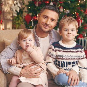 Подробнее: 6-летний сын Сергея Лазарева принял участие в фотосессии с отцом